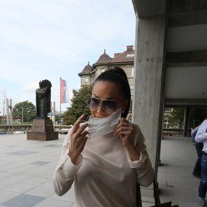 Mи се 3гaди, kaтacтрофа: Цеца доjде на судење со Карлеуша па ја коментираше пеачката