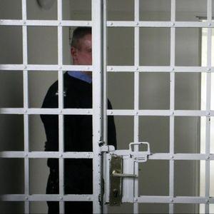 ZA DUG JEZIK, PO HITNOM POSTUPKU: Mesec i po dana zatvora zbog vređanja policajca!