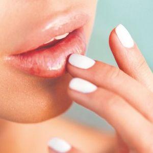 Dermatolozi s višegodišnjim iskustvom SAVETUJU da proučite ovih 9 STVARI UKOLIKO ŽELITE DA POVEĆATE USNE!