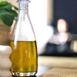 LEK ZA SVE BOLESTI! Uzmite jednu kašičicu OVOG ulja svakog jutra!