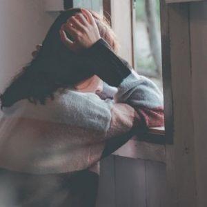 8 ZNAKOVA DA STE ODRASLI U TOKSIČNOJ PORODICI! Anksioznost, skrivanje emocija...