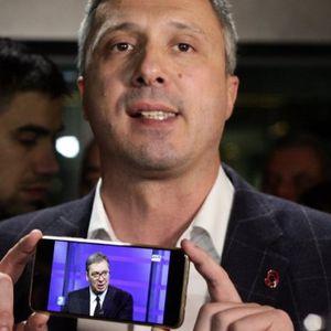 LAŽI I UDRI PO VUČIĆU SVE DOK NE UMRE! Lider Dveri Boško Obradović naredio saradnicima i aktivistima da žestoko napadaju predsednika