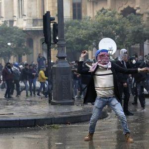 ESKALACIJA SUKOBA U LIBANU! Žestoki okršaji demonstranata i policije, povređeno 160 osoba