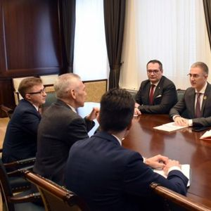 NOVE INICIJATIVE I ZAJEDNIČKI PROJEKTI Ministar Stefanović razgovarao sa ambasadorom Ruske Federacije o unapređenju saradnje