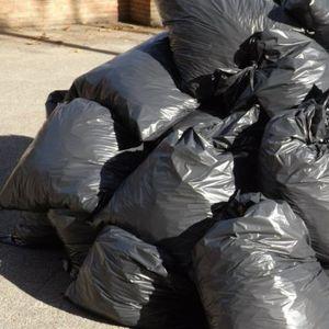 PREMINULI ČOVEK u stanu ostavio OSAM KAMIONA smeća!