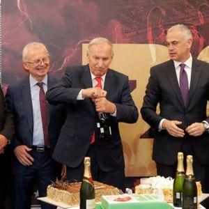 CRVENO-BELI PROSLAVILI ROĐENDAN LEGENDE KLUBA! Džajić puni 74 godine