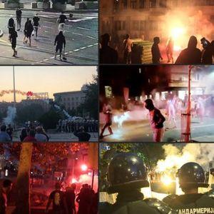 (FOTO/VIDEO) BAKLJE, KAMENICE, SRČA, PACKE ZA OPOZICIJU! Demonstranti drugi dan zaredom RAZARAJU ulice glavnog grada!