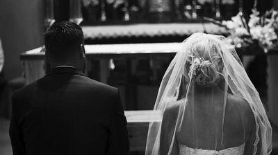Svekrva na svadbi na snajinoj ruci ugledala beleg: Za nekoliko sekundi, shvatila je o kome je reč i ZALEDILA SE