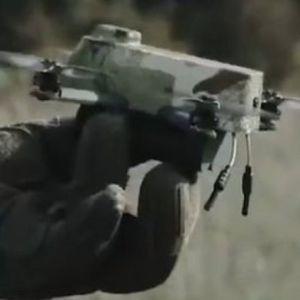 BUDUĆNOST RATOVANJA JE STIGLA! Počelo korišćenje nano dronova, staju u dlan a njihove mogućnosti su neverovatne /video/