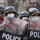 NA PROTESTIMA U MJANMARU UBIJENE DVE OSOBE! Policija otvorila vatru na demonstrante, više ranjenih!