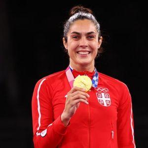 OVO SRBIJA NIJE ZNALA! MILICE, KAPA DOLE! Povređena je stigla na Olimpijske igre!
