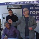 Goran Vesić održao sastanak sa meštanima Grabovca ispred svoje pokretne kancelarije!