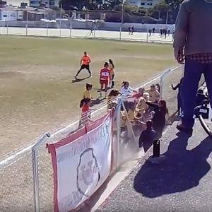 Се степаа фудбалерки – четири завршија во болница (ВИДЕО)