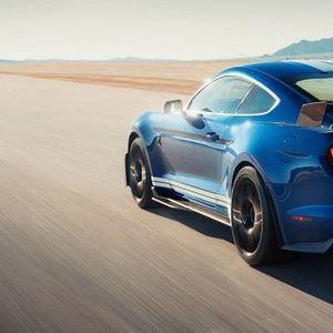 Најмоќниот и најбрзиот автомобил на Форд - Shelby GT500