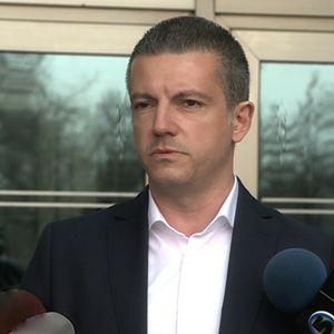 Манчевски: Вработувања во администрација по распишувањето на изборите е прекршување на законот