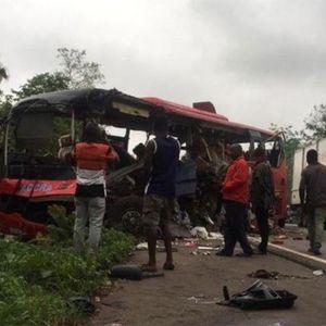 Гана: Во судар на два автобуса најмалку 50 загинати (видео)