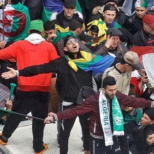 """Стотици илјади Алжирци на протест бараат оставка од ,,вечниот претседател"""""""