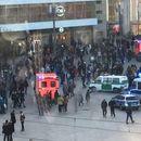 Масовна тепачка на плоштад во Берлин – се степаа фанови на две јутјуб ѕвезди