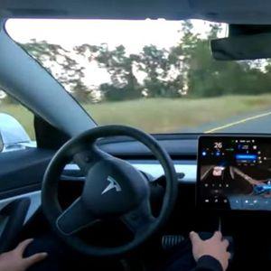 Има ли пилот во авионот- Автономно возење со новата Тесла
