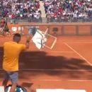Видео:Скандал - Кирјос дивееше на теренот и заработи дисквалификација на турнирот во Рим