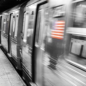 Си играл со подземната железница- Њујорчанец 40 пати ги активирал кочниците