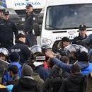 Жестока тепачка меѓу босанската полиција и мигрантите (ВИДЕО)