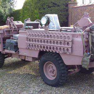 Барби преобразба на опасен воен џип
