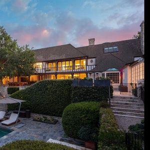 Луксузната куќа на Бред Пит и Џенифер Анистон на Беверли Хилс се продава за 49 милиони долари