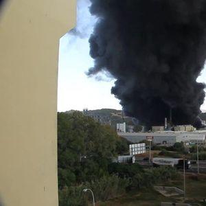 Гори хемиска фабрика во Шпанија