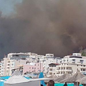 Големи пожари се доближуваат до првите куќи на албанското летувалиште Шенџин