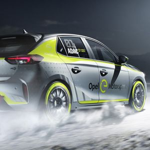 Опел го претстави првиот електричен автомобил за рели трки