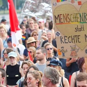 Илјадници во Дрезден протестираа против расизмот и ксенофобијата