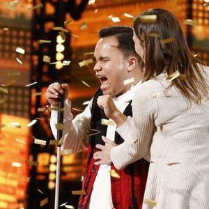 """Слеп и аутистичен пејач победи на американскиот ,,Суперталент"""" , публиката во солзи"""