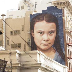Огромен мурал на Грета Тунберг е поставен на зграда во Сан Франциско