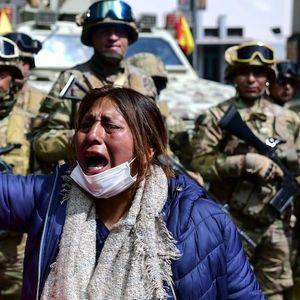 Продолжуваат крвавите протести во Боливија , најмалку еден загинат