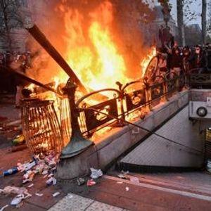 Францускиот премиер вели дека нема отстапки од пензиските реформи