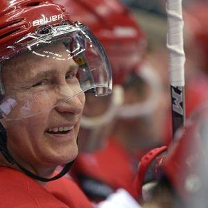 Откриено е зошто Путин игра хокеј со толкава страст