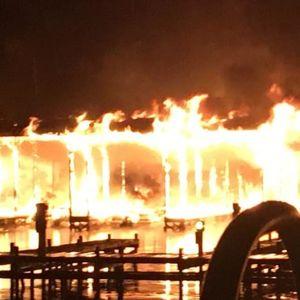 Најмалку осуммина загинати во голем пожар на езерско пристаниште во Алабама