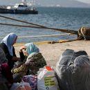Грчката војска ќе постави пловечки брани во морето за заштита од мигранти
