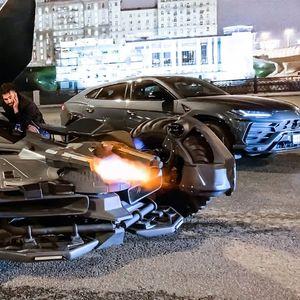 Полицијата во Москва го протера Бетмобил : Не поминува на технички преглед (ВИДЕО)