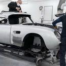 Најпознатиот автомобил на Џејмс Бонд повторно се произведува, цената е неверојатно висока