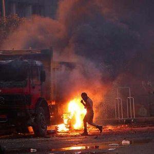 Либанската влада падна , протестите не се смируваат