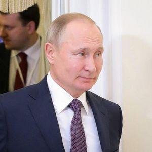 Лукашенко бара помош од Путин, илјадници се простија од убиениот демонстрант