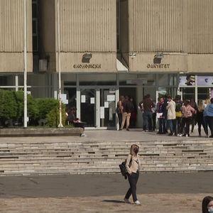 Под посебни протоколи се одржа и првиот академски час на факултетите