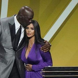 Вдовицата на Коби го расплака Мајкл Џордан на церемонијата во Куќата на славните (ВИДЕО)