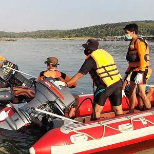 """Најмалку седум луѓе се удавија при обид да снимат """"селфи"""" во Индонезија (ВИДЕО)"""