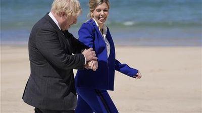 Борис Џонсон и неговата сопруга Кери го очекуваат второто дете