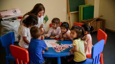 Грција воведува нови антиковид правила за децата од 5 до 11 години