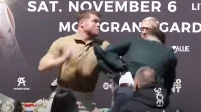 Се претепаа двајца боксери за време на соочувањето