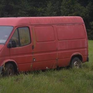 Форд бил 12 години паркиран на ливада, па решиле да го стартуваат